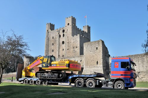 36 ton Excavator at Rochester Castle